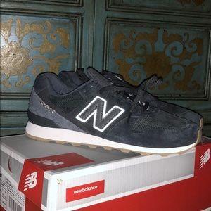 ⚡️ tennis shoes ⚡️